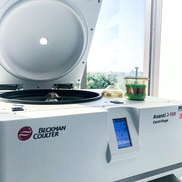 beckman coulter avanti j-15r centrifuge