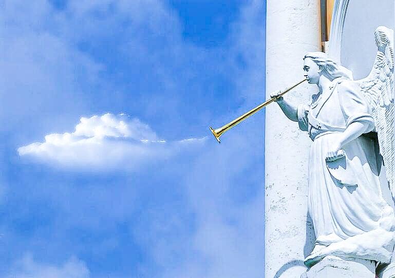 angels hubspot photo pre-edit